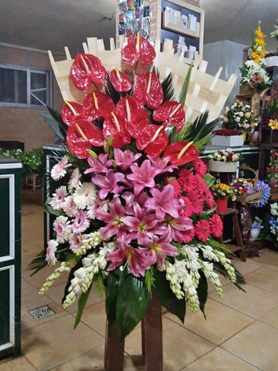 سبد گل یکطرفه پایه دار کد 484